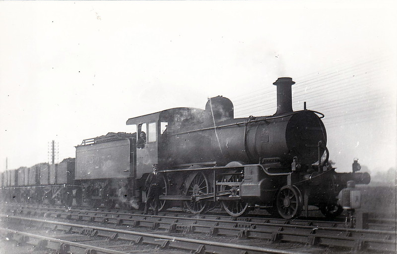 Class 2511 - 2233 - Johnson MR Class 2511 'Yankee Mogul' 2-6-0 - built 1899 by Schenectady Locomotive Works, Works No.5040 as MR No.2514 - 1907 to MR No.2236 - 1915 withdrawn - seen here at Geddington.