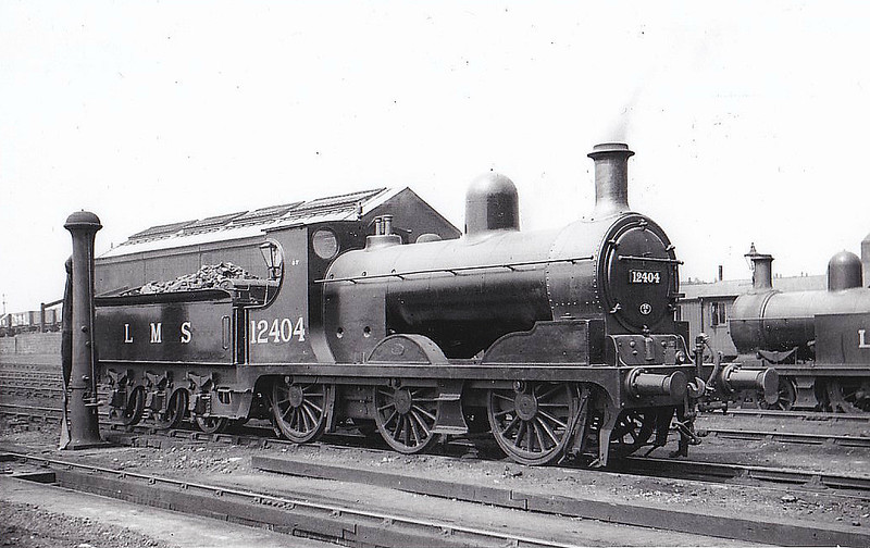 LYR - 12404 - Aspinall LYR Class 27 3F 0-6-0 - built 02/00 by Horwich Works as LYR No.135 - 1923 to LMS No.12404, 05/48 to BR No.52404 - 04/53 withdrawn from 26C Bolton - seen here at Wigan.