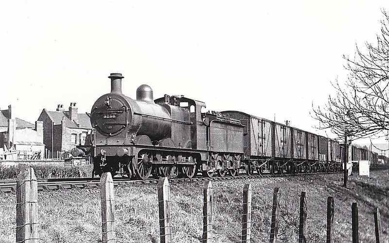 MR - 3258 - Johnson MR 2F 0-6-0 - built 12/1890 by Neilson & Co. as MR No.1931 - 1907 to MR No.3258, 12/48 to BR No.43258 - 07/59 withdrawn from 10D Sutton Oak- seen here at Cheltenham Junction, 03/33.