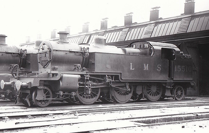 LMS - 15510 - Fowler LMS Class 3P 2-6-2T - built 05/30 by Derby Works as LMS No.15510 - 1934 to LMS No.11, 06/49 to BR No.40011 - 08/60 withdrawn from 24L Carnforth - seen here at Walsall, 08/32.