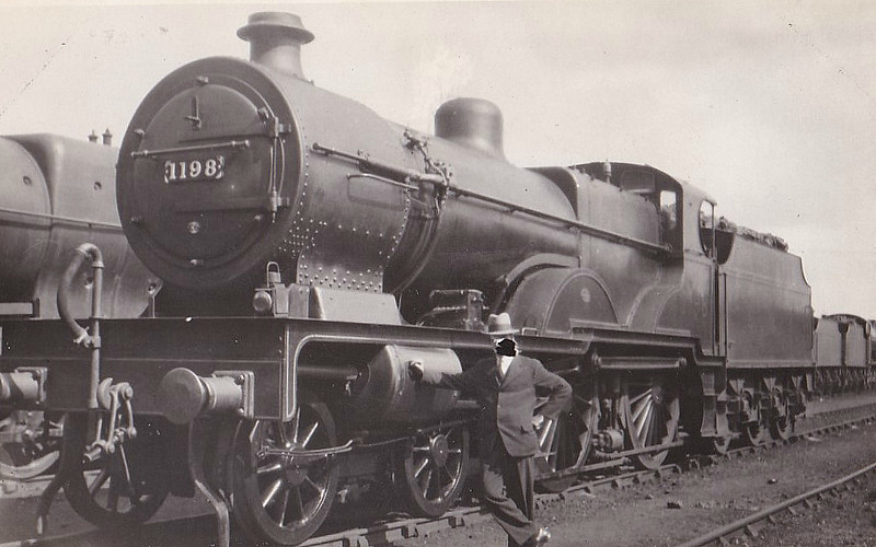 LMS - 1198 - Fowler MR/LMS Compound 4-4-0 - built 03/27 by Vulcan Foundry - 12/49 to BR No.41198 - 11/55 withdrawn from 15C Leicester Midland - someone evidently didn't think much of the rather dapper gent posing by the side!.