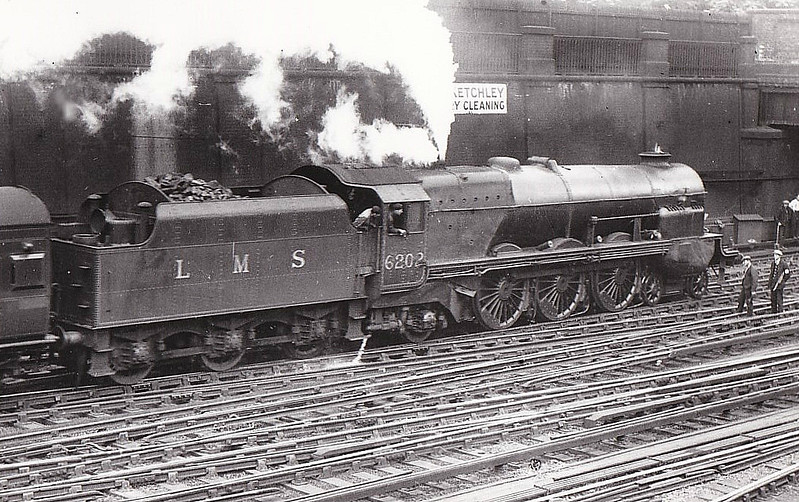 LMS - 6202 - Stanier LMS Class 7P Turbomotive 4-6-2 - built 06/35 by Crewe Works - 03/49 to BR No.46202 - 08/52 rebuilt as Princess Royal Class Pacific, named PRINCESS ANNE - 08/10/52 badly damaged in Harrow and Wealdstone disaster - 05/54 withdrawn unrepaired from 5A Crewe North.