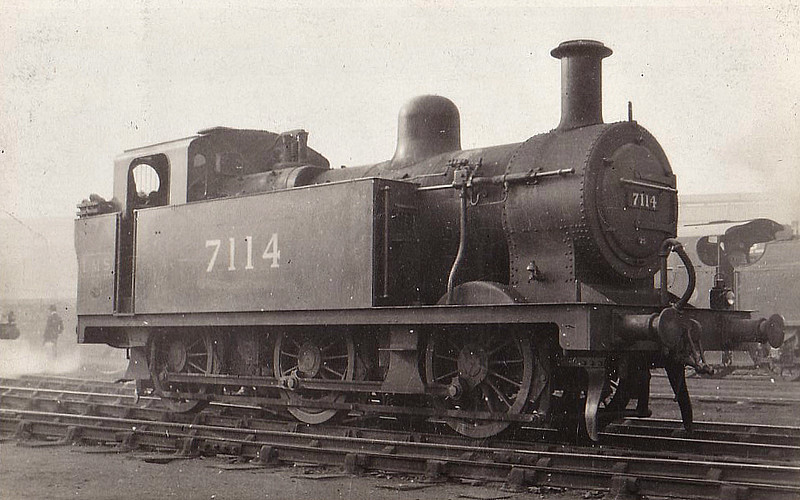 MR - 7114 - Fowler LMS Class 3F 'Jinty' 0-6-0T - built 08/24 by Vulcan Foundry Co.  - 1934 to LMS No.7274, 08/48 to BR No.47274 - 12/59 withdrawn from 18C Hasland.