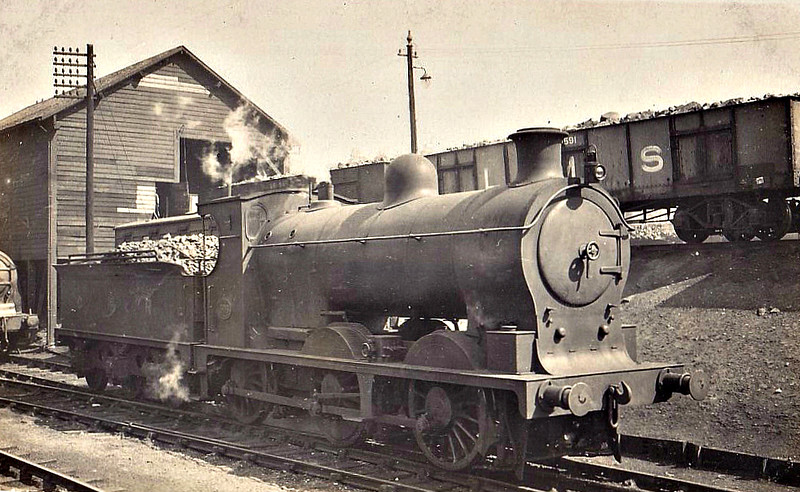 CR - 17662 - Pickersgill CR Class 300 3F 0-6-0 - built 03/18 by St Rollox Works as CR No.306 - 1923 to LMS No.17662 - 1945 withdrawn.