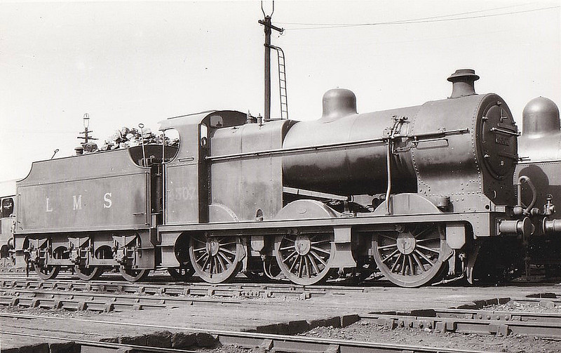 LMS - 4307 - Fowler LMS Class 4F 0-6-0 - built 10/26 by Crewe Works - 05/48 to BR No.44307 - 10/62 withdrawn from 5D Stoke, where seen in 1933.