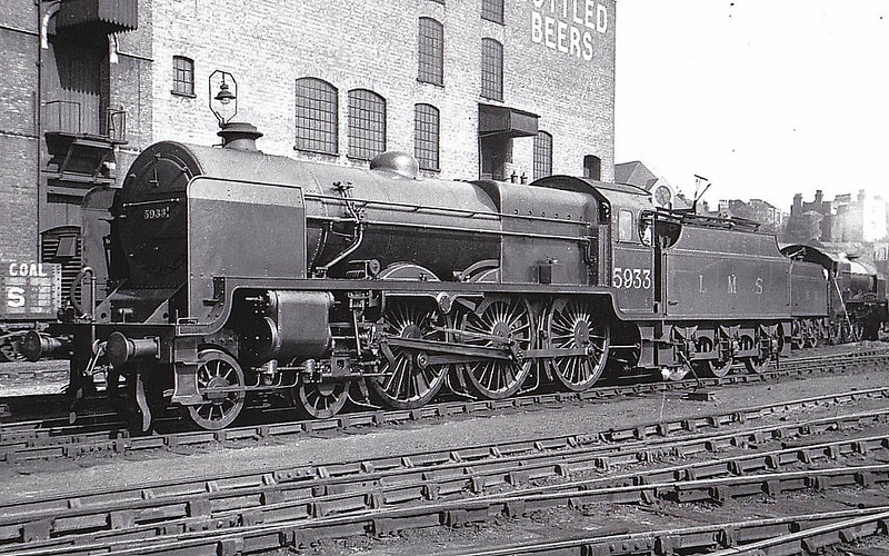 LMS - 5933 - Fowler LMS Patriot Class 4-6-0 - built 03/33 by Derby Works as LMS No.5933 (this is the number of the LNWR Class 5XP 'Claughton' that the loco nominally replaced) - 1933 to LMS No.5521, 10/46 rebuilt - 08/48 to BR No.45521 - 19/63 withdrawn from 10A Wigan Springs Branch - seen here at Kentish Town when brand new before name plates RHYL were fitted.
