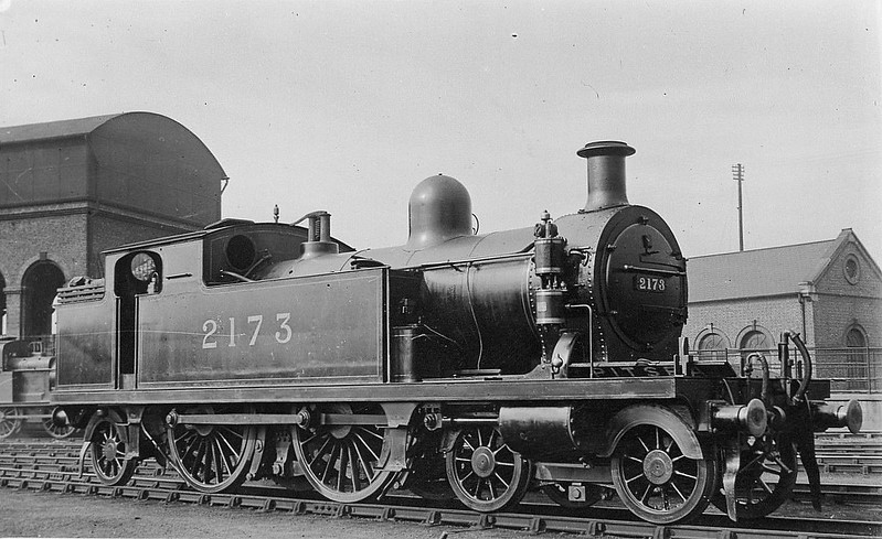 LTSR - 2173 - Whitelegg LTSR Class 51 2P 4-4-2T - built 03/03 by North British Loco. Co. as LTSR No.66 EARL'S COURT - 1912 to MR No.2173, 1930 to LMS No.2107 - BR No.41924 not applied - 11/49 withdrawn from 16A Nottingham.