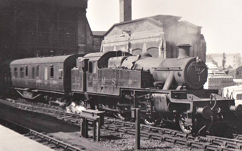 LMS - 81 - Stanier LMS Class 3P 2-6-2T - built 03/35 by Derby Works - 06/49 to BR No.40081 - 10/61 withdrawn from 24L Carnforth - seen here at Leicester Midland.