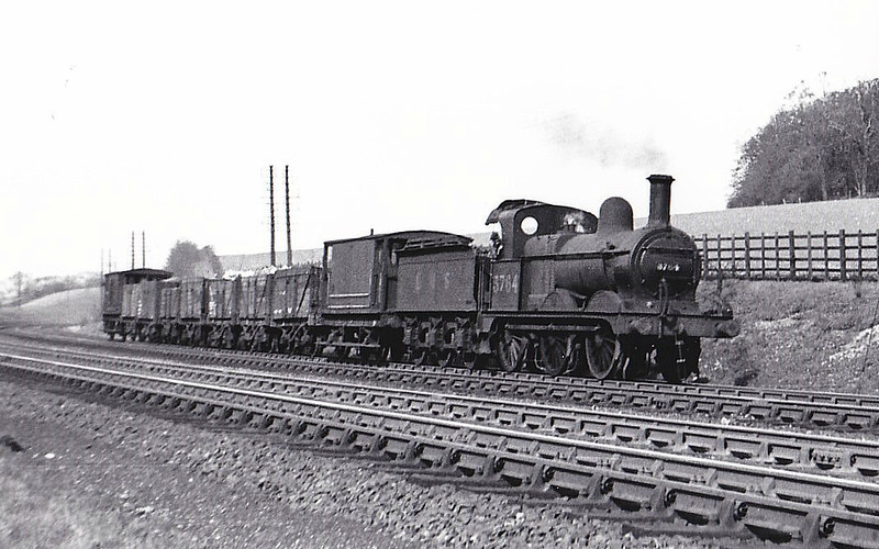 MR - 3764 - Johnson MR Class 2F 0-6-0 - built 08/02 by Neilson & Co. as MR No.2735 - 1907 to MR No.3764, 10/50 to BR No.58310 - 11/56 withdrawn from 33B Tilbury - seen here at Chiltern Green, 05/48.