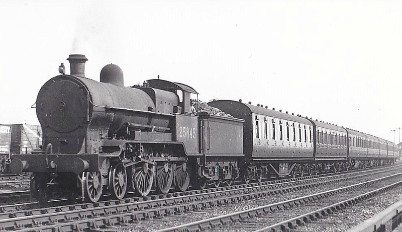 LNWR - 25845 - Bowen-Cooke LNWR Prince of Wales Class 4-6-0 - built 02/24 by Beardmore & Co. as LMS No.5845, 09/34 to LMS No.25845 - 11/47 withdrawn from Bletchley MPD.