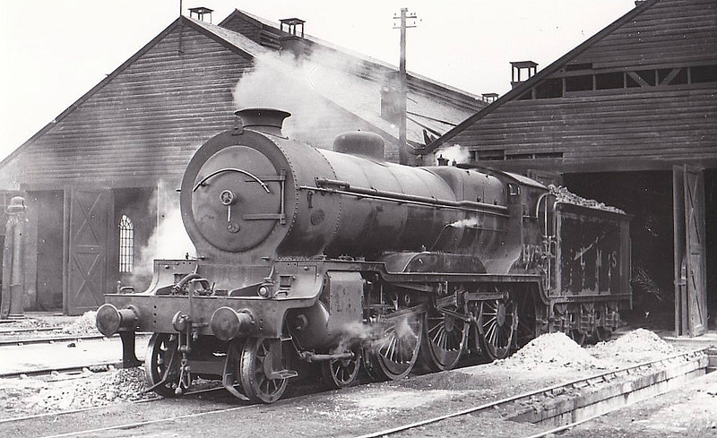 CR - 14756 - Pickersgill CR Class 938 4-6-0 - built 1915 by Hawthorn Leslie & Co. as CR No.938 - 1923 to LMS No.14756 - 1939 withdrawn - seen here at Perth, 06/37.
