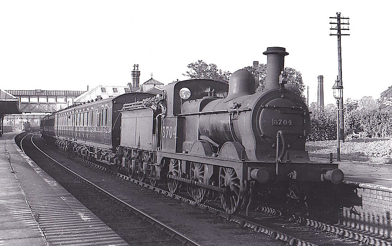 MR - 3704 - Johnson MR Class 361 2F 0-6-0 - built 1901 by Sharp Stewart. as MR No.2675 - 1907 to MR No.3704 - 03/46 withdrawn from Crewe South MPD - seen here at Kenilworth, 08/36.