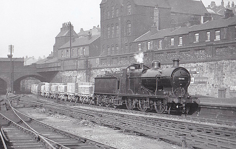 LMS - 3983 - Fowler LMS Class 4F 0-6-0 - built 02/22 by Armstrong Whitworth & Co. - 04/49 to BR No.43983 - 08/65 withdrawn from 20C Royston - seen here at Sheffield Mildand, 03/33.