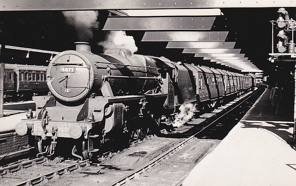 LMS - 4871 - Stanier LMS Class 5MT 4-6-0 - built 03/45 by Crewe Works - 12/49 to BR No.44871 - 08/68 withdrawn from 10A Carnforth - seen here at Birmingham New Street in July 1948.