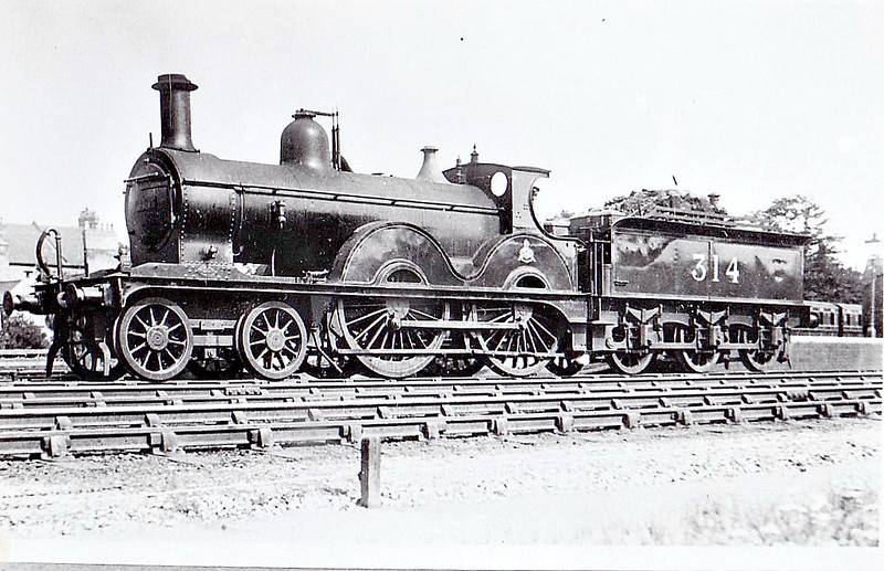 MR - 314 - Johnson MR Class 1327 4-4-0 - built 1877 by Dubs & Co. as MR No.1331 - 1928 withdrawn - seen here at Bedford.