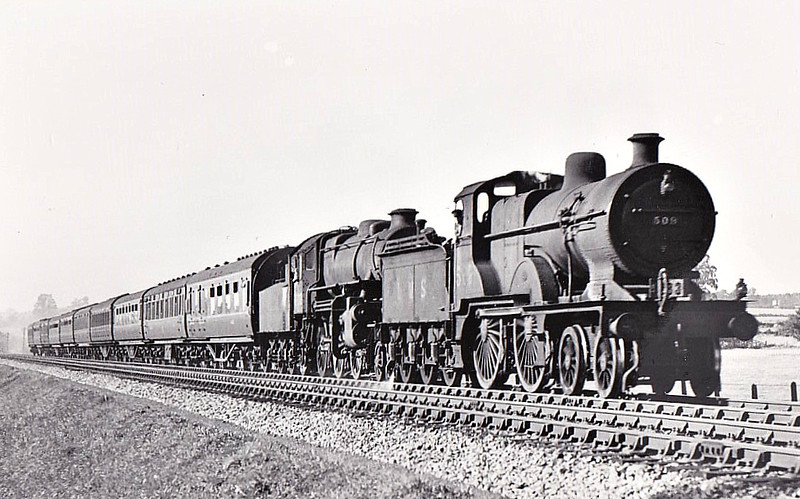 MR - 509 - Johnson MR Class 483 2P 4-4-0 - built 11/1899 by Sharp Stewart as MR No.2428 - 1907 to MR No.509, 01/51 to BR No.40509 - 06/57 withdrawn from 1G Bath Green Park - I suspect that this may a post-BR shot due to the presence of the 4MT.