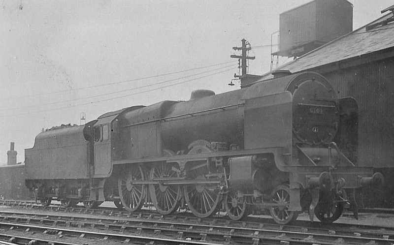 LMS - 6101 ROYAL SCOTS GREY - Fowler LMS Royal Scot 4-6-0 - built 09/27 by North British Loco Co. - 04/48 to BR No.46101 - 09/63 withdrawn from 16D Annesley.