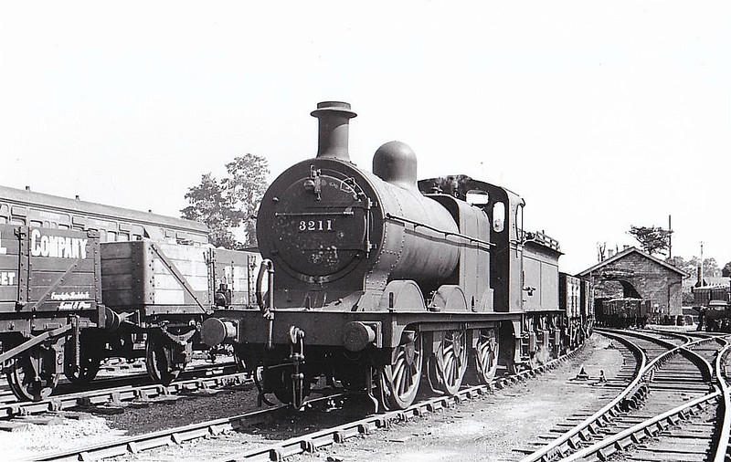 SDJR - 3211 - Johnson MR 3F 0-6-0 - built 03/1896 by Derby Works as SDJR No.66 - 1930 to LMS No.3211, 06/48 to BR No.43211 - 07/61 withdrawn from 9E Trafford Park - seen here at Templecombe, 07/37.