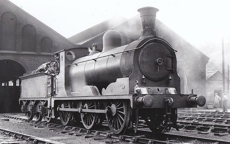 CR - 17302 - Drummond CR Class 294 Standard Goods 2F 0-6-0 - built 08/1887 by St Rollox Works as CR No.347 - 1923 to LMS No.17302, 08/49 to BR No.57302 - 10/63 withdrawn from 12G Dumfries, where seen 09/32.
