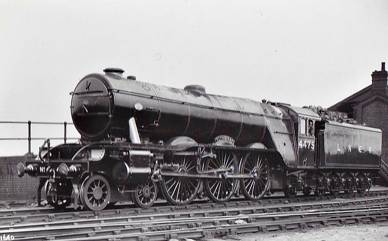 Class A3 - 4475 FLYING FOX -  Gresley LNER 4-6-2 - built 04/23 by Doncaster Works as GNR No.1475 - 02/25 to LNER No.4475. 05/46 to LNER No.106, 12/48 to BR No.60106 - 12/64 withdrawn from 34E New England.- seen here as Class A1.