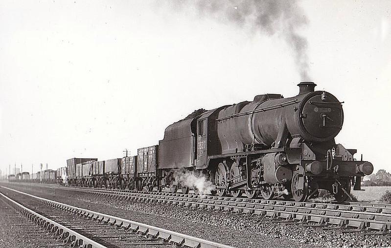 Class O6 - 3537 - Stanier LMS Class 8F 2-8-0 - built 03/46 by Darlington Works as LNER No.3137 - 02/47 to LNER No.3537, 10/47 to LMS No.8742, 02/50 to BR No.48742 - 09/67 withdrawn from 9D Newton Heath - seen here at Darlington, 08/47.