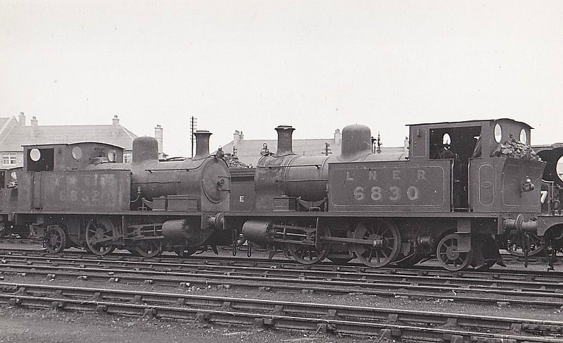 Class Z5 - 6830 - Heywood GNSR Class Y 0-4-2T - built 01/15 by Manning Wardle & Co. as GNSR No.116 - 08/15 to GNSR No.30, 07/25 to LNER No.6830, 09/46 to LNER No.8192, 11/48 to BR No.68192 - 04/60 withdrawn from 61A Kittybrewster - seen here at Aberdeen with sister No.6832.