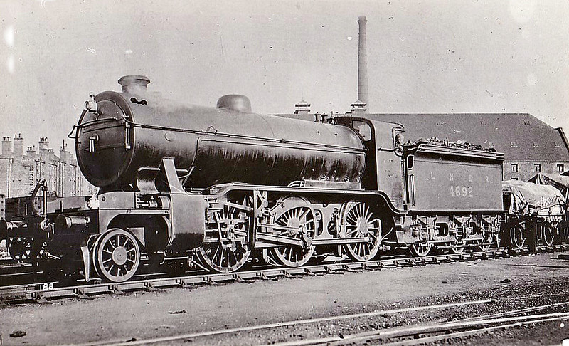 Class K2 - 4692 - Gresley GNR/LNER Class K1 2-6-0 - built 07/21 by Kitson & Co. as GNR No.1692 - 03/25 to LNER No.4692 - 02/33 named LOCH EIL - 04/46 to LNER No.1782, 12/50 to BR No.61782 - 06/60 withdrawn from 61C Keith.