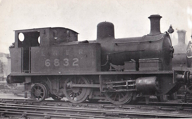 Class Z4 - 6832 - Heywood GNSR Class Y 0-4-2T - built 01/15 by Manning Wardle & Co. as GNSR No.117 - 08/15 to GNSR No.32, 10/25 to LNER No.6832, 09/46 to LNER No.8193, 04/49 to BR No.68193 - 04/56 withdrawn from 61A Kittybrewster.
