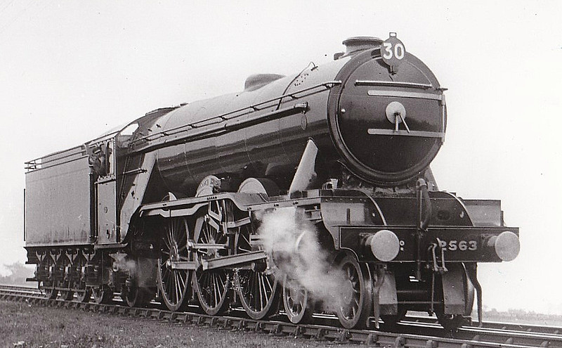 Class A3 - 2563 WILLIAM WHITELAW - Gresley 4-6-2 - built 07/24 by North British Loco Co. - 08/41 name removed to fit to Class A4 60004, renamed TAGALIE - 10/46 to LNER No.64, 07/49 to BR No.60064 - 09/61 withdrawn from 34F Grantham - seen here as built with short chimney for running over North British lines. Number 30 shows position in the 07/25 S&D Centenary Parade.