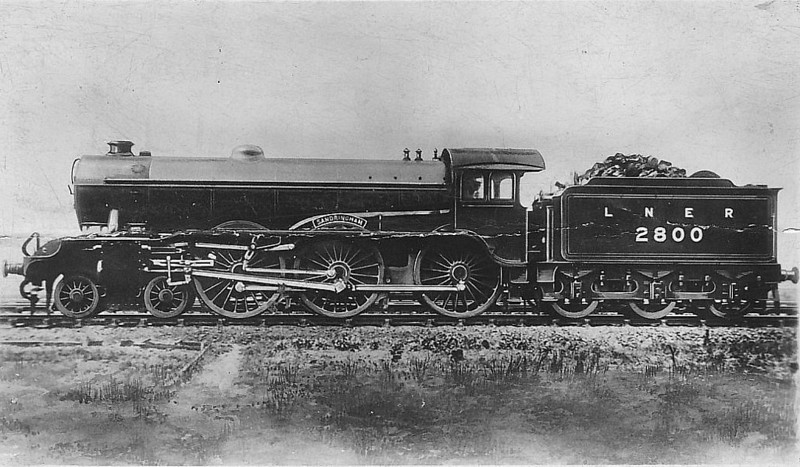 Class B17 - 2800 SANDRINGHAM - Gresley LNER 4-6-0 - built 12/28 by North British Loco Co. - 07/46 to LNER No.1600, 05/48 to BR No.61600 - 07/58 withdrawn from 30A Stratford.