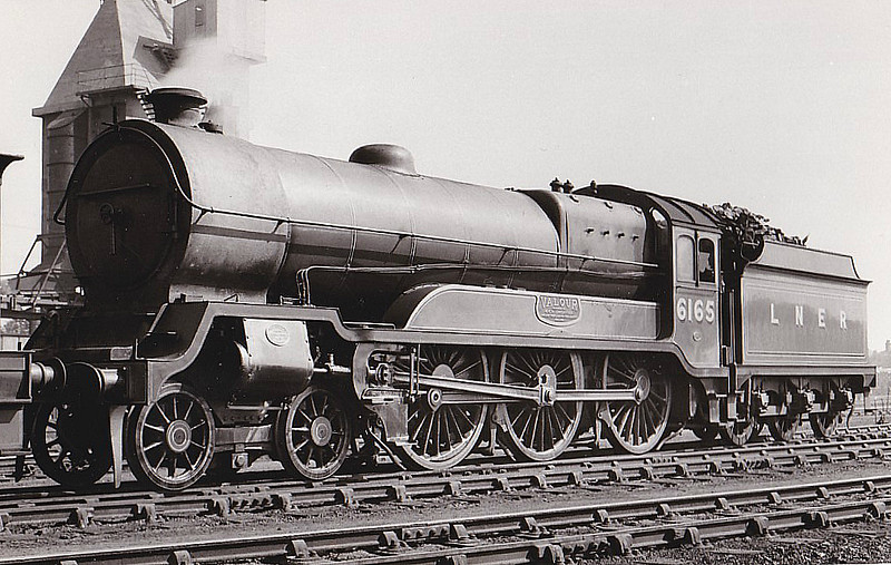 Class B 3 - 6165 VALOUR - Robinson GCR Class 9P 'Lord Faringdon' 4-6-0 - built 07/20 by Gorton Works as GCR No.1165 - 01/25 to LNER No.6165, 09/46 to LNER No.1496 - 12/47 withdrawn from Lincoln MPD.