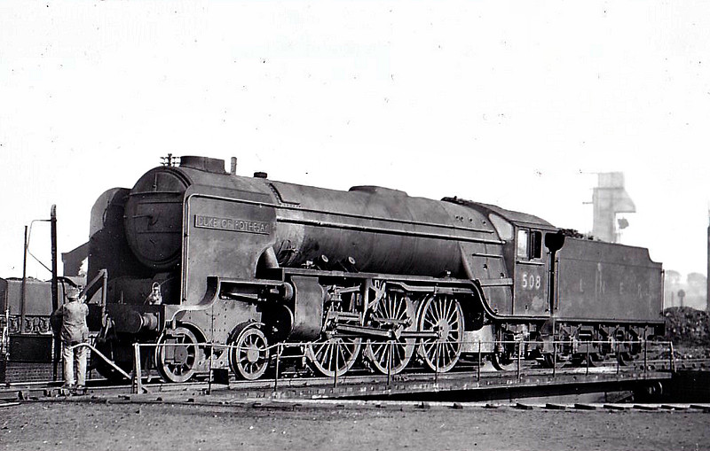 Class A2 - 508 DUKE OF ROTHESAY - Thompson LNER/BR 4-6-2 - built 06/44 by Darlington Works as LNER No.3697 - 07/46 to LNER No.508, 05/48 to BR No.60508 - 02/61 withdrawn from 35A New England - seen here at Grantham.