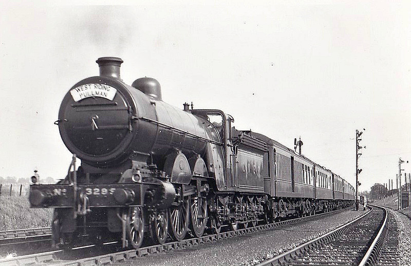 Class C1 - 3299 - Ivatt GNR 4-4-2 - built 06/05 by Doncaster Works as GNR No.299 - 06/25 to LNER No.3299, LNER No.2827 not applied - 05/45 withdrawn from Lincoln MPD.