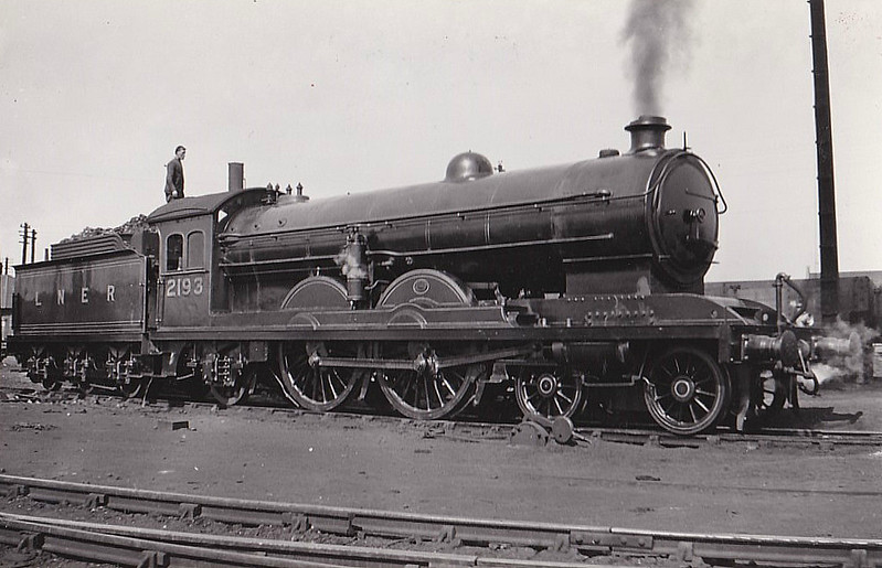 Class C7 - 2193 - Raven NER Class Z 4-4-2 - built 12/14 by Darlington Works - 11/46 to LNER No.2978 - BR No.62978 not applied - 08/48 withdrawn from Darlington MPD.