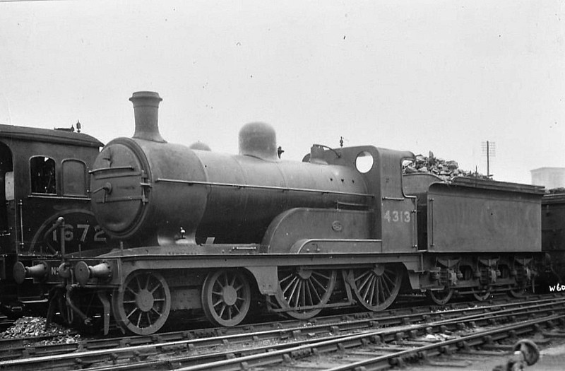 Class D 3 - 4313 - Ivatt GNR Class D3 4-4-0 - built 04/1898 by Doncaster Works as GNR No.1313 - 05/24 to LNER No.4313 - 12/35 withdrawn from Hull Botanic Gardens MPD.