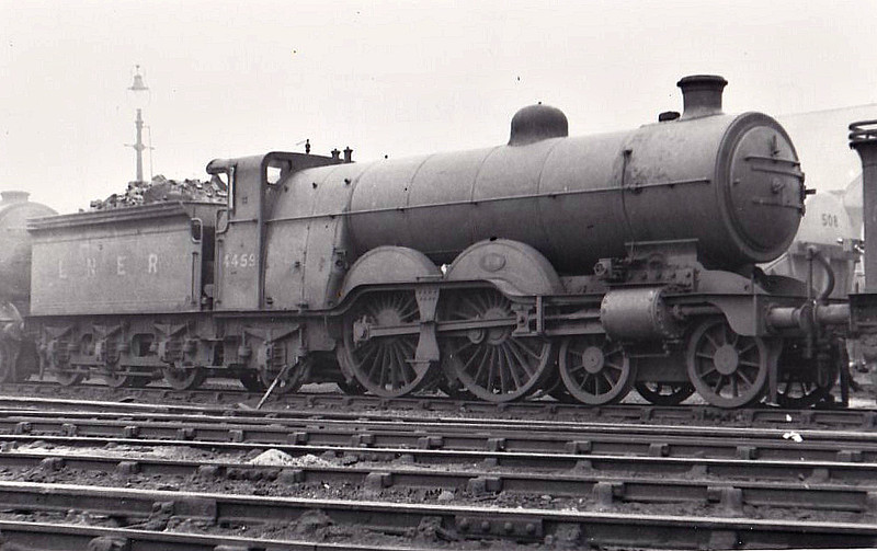 Class C1 - 4459 - Ivatt GNR 4-4-2 - built 10/10 by Doncaster Works as GNR No.1459 - 05/25 to LNER No.4459 - LNER No.2889 not applied - 07/43 withdrawn from Kings Cross MPD.