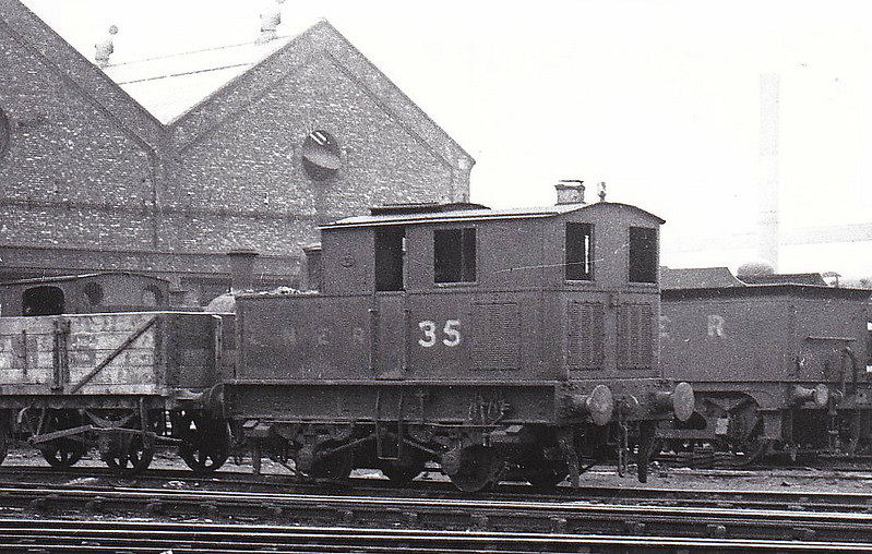 Class Y3 - 35 - Sentinel LNER 0-4-0T - built 09/30 by Sentinel Wagon Co. - 06/46 to LNER No.8164, 06/49 to BR No.68164  - 09/57 withdrawn from 6E Wrexham Rhosddu.