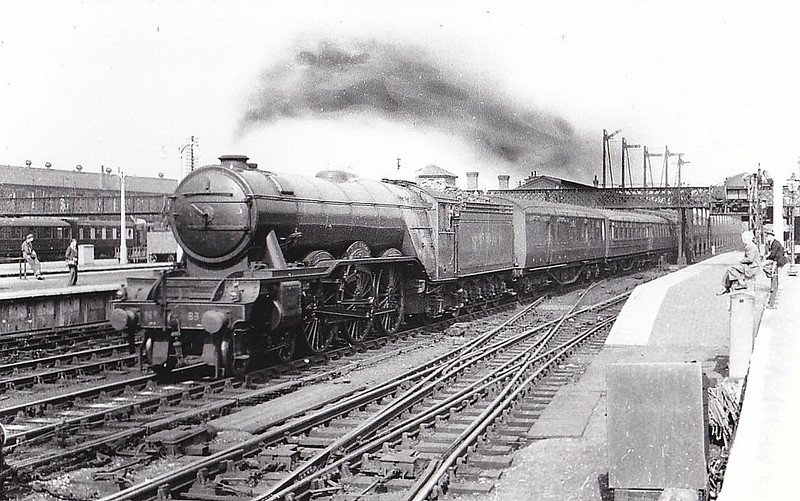 Class A3 - 83 SIR HUGO - Gresley LNER 4-6-2 - built 12/24 by North British Loco Co. - 10/46 to LNER No.83, 05/49 to BR No.60083 - 05/64 withdrawn from 52A Gateshead - seen here at Doncaster.