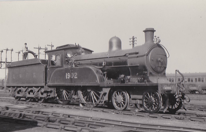 Class D17 - 1902 - Worsdell NER Class Q 4-4-0 - built 06/1897 by Gateshead Works - 1946 to LNER No.2112 - BR No.62112 not applied - 02/48 withdrawn from 50A York North - seen here at Scarborough in 1931.