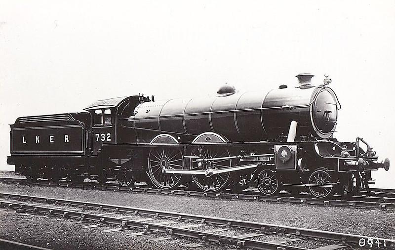 Class C7 - 732 - Raven NER Class Z 4-4-2 - built 10/11 by North British Loco Co. - 12/33 rebuilt as Class C7/2, as seen here - 11/46 to LNER No.2963 - 11/45 withdrawn from Scarborough MPD