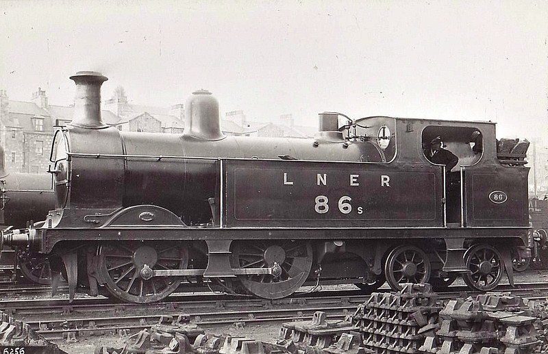 Class G10 - 86 - Johnson GNSR Class R 0-4-4T - built 12/1893 by Neilson & Co. as GNSR No.86 - 11/24 to LNER No.6886 - 1937 withdrawn.