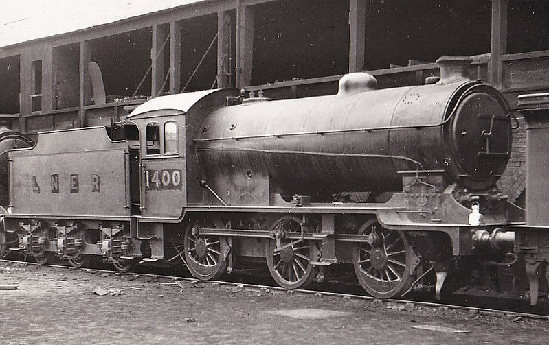 Class J38 - 1400 - Gresley LNER 0-6-0 - built 01/26 by Darlington Works - 09/46 to LNER No.5900, 10/49 to BR No.65900 - 11/63 withdrawn from 62A Thornton Junction - seen here at Eastfield, 03/34.