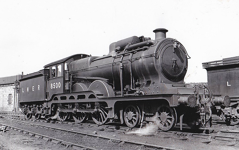 Class B12 - 8500 - Holden/Gresley GER/LNER 4-6-0 - built 12/11 by Stratford Works as GER No.1500 - 1924 to LNER No.8500, 06/46 to LNER No.1500 - BR No.61500 not applied - 06/48 withdrawn from 61C Keith - seen here at Elgin - loco was fitted with ACFI feedwater heater from 12/31 to 12/40.