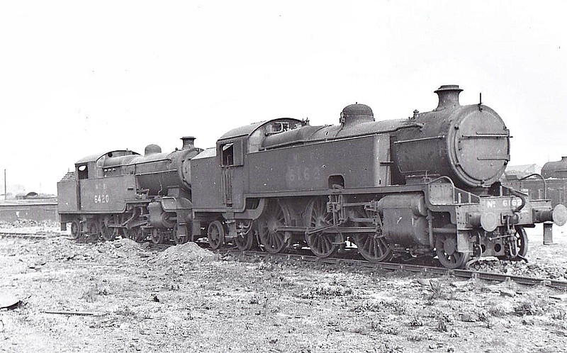 Class L2 - 6162 - Hally Metropolitan Railway Class K 2-6-4T - built 03/25 by Armstrong Whitworth as Met No.115 - 07/38 to LNER No.6162 - 01/46 withdrawn from Neasden MPD - seen here with Class H2 No.6420 at Stratford.
