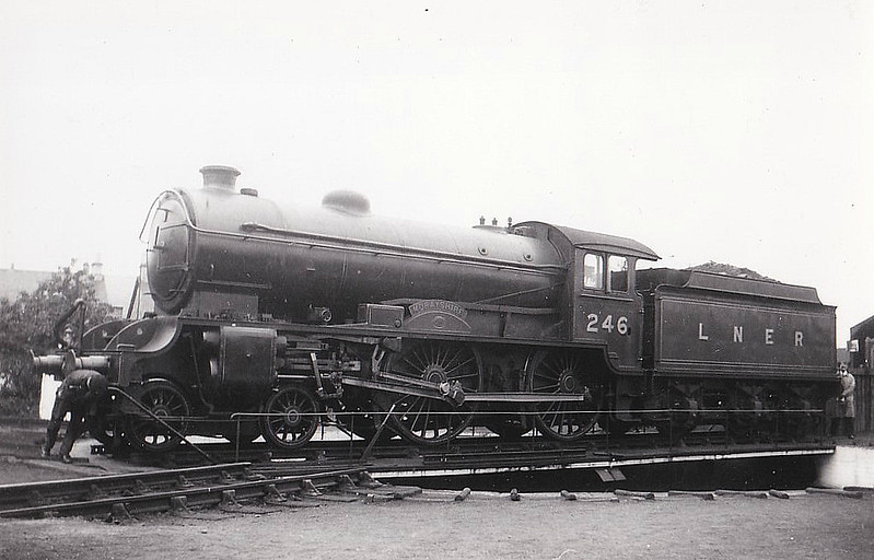 Class D49 - 246 MORAYSHIRE - Gresley LNER 4-4-0 - built 02/28 by Darlington Works - 11/46 to LNER No.2712, 04/50 to BR No.62712 - 07/61 withdrawn from 64G Hawick.