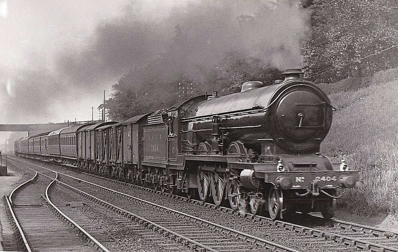 Class A2 - 2404 CITY OF RIPON - Raven NER/LNER Class A2 4-6-2 - built 03/24 by Darlington Works - 02/37 withdrawn from York North MPD - seen here in 1927.