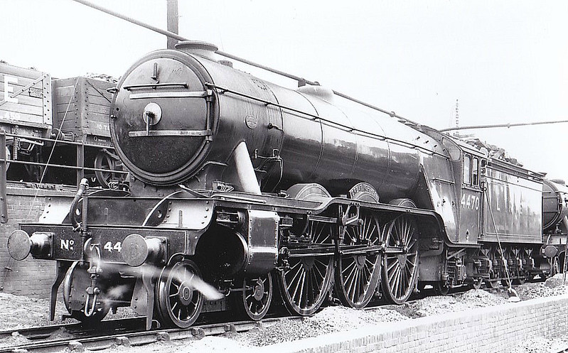 Class A3 - 4470 GREAT NORTHERN - Gresley LNER 4-6-2 - built 04/22 by Doncaster Works as GNR No.14790- 03/25 to LNER No.4470 - 1945 rebuilt by Thompson as Class A2/2 - 10/46 to LNER No.113, 10/48 to BR No.60113 - 11/.62 withdrawn from 36A Doncaster, where seen 07/35.