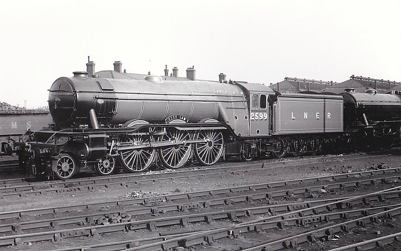 Class A3 - 2599 BOOK LAW - Gresley GNR/LNER 4-6-2 - built 07/30 by Doncaster Works - 09/46 to LNER No.88, 07/48 to BR No.60088 - 10/63 withdrawn from 52A Gateshead.