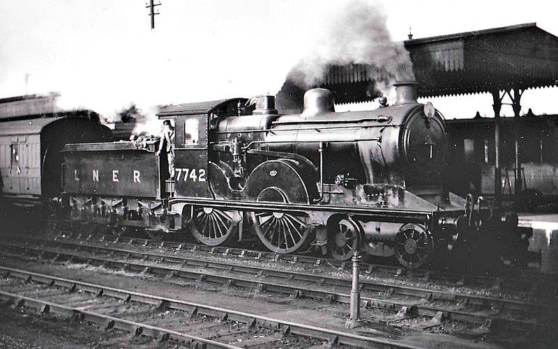 Class D13 - 7742 - Holden GER Class T19 2-4-0 - built 1889 by Stratford Works as GER No.742 - 02/07 rebuilt as Class D13 4-4-0 - 1923 to LNER No.7742 - 11./35 withdrawn from Kings Lynn, where seen.