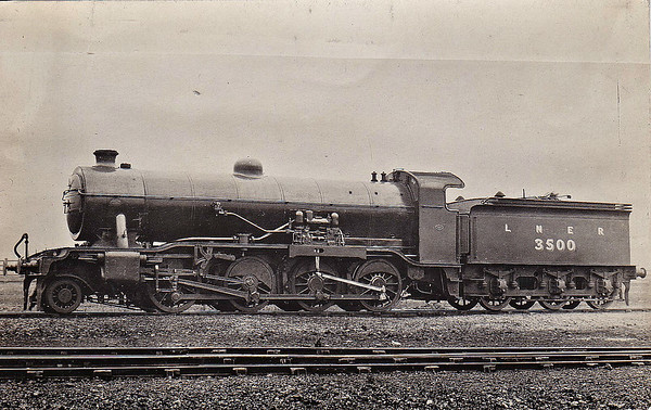 Class O2 - 3500 - Gresley GNR/LNER 2-8-0 - built 1918 by Doncaster Works as GNR No.500 - 12/24 to LNER No.3500, 09/46 to LNER No.3945, 10/48 to BR No.63945 - 09/63 withdrawn from Retford GC - seen here fitted with Dabeg feedwater heater carries from 1924 to 1942.